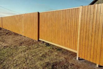 Забор из профнастила 10 соток, Фото, №5, Забор  из профнастила  1,8 метра