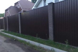 Забор из профнастила двухстороннего, Фото, №17, Забор  из профнастила  2 метра