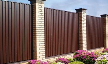 Забор из профнастила с откатными воротами, Фото, № 1
