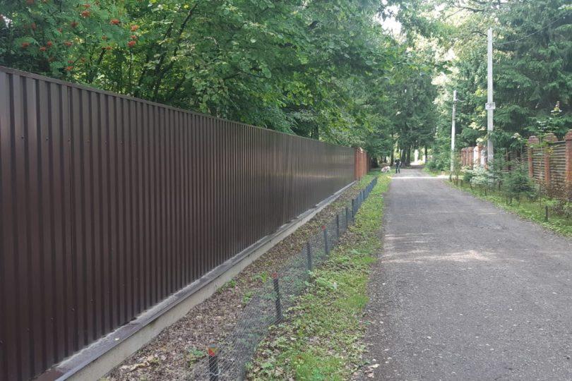 Забор из профнастала на ленточном фундаменте, Фото, №6