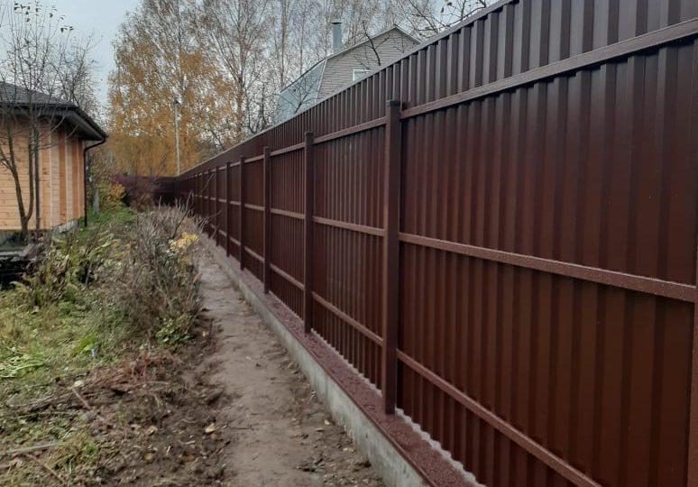 Забор из профнастала на ленточном фундаменте, Фото, №5