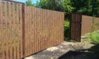 Забор из штакетника под дерево, Фото, №9
