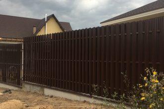 Забор из штакетника с откатными воротами, Фото, №4