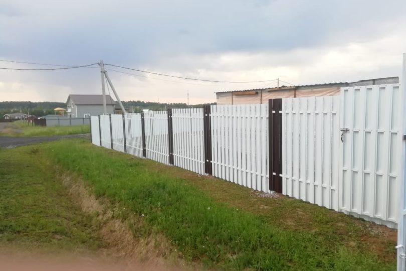 Забор из штакетника с ленточным фундаментом, Фото, №2