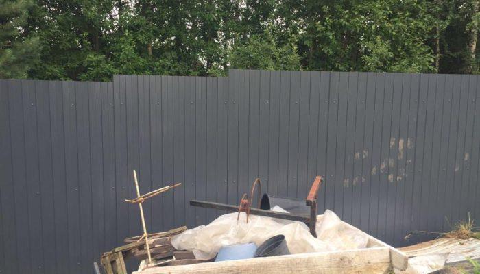 Забор из серого профнастила, Фото, №7