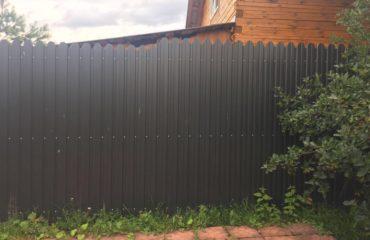 Забор из серого профнастила, Фото, №1