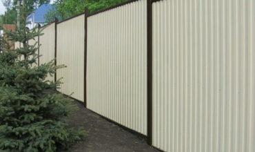 Забор из белого профнастила, Фото, № 6