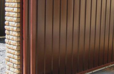 Откатные ворота на ленточном фундаменте, Фото, №1